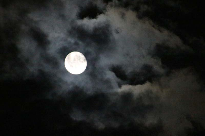 Super moon beats the clouds